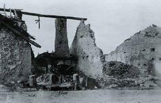 Zerschossenes Dorf 1916.