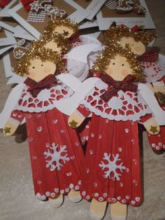 Learn how to make Easy Christmas Crafts for Kids with these amazing Popsicle Stick Christmas Ornaments. Popsicle Stick Christmas Crafts, Popsicle Stick Crafts, Popsicle Sticks, Craft Stick Crafts, Diy And Crafts, Snowman Crafts, Easy Crafts, Crafts For Teens To Make, Christmas Crafts For Kids To Make
