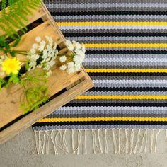Kilim Rugs, Rag Rugs, Knit Mittens, Scandinavian Style, Rugs On Carpet, Pattern Design, Weaving, Rug Patterns, Textiles