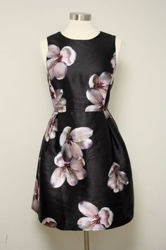 Forever 21 Plus Size Black Floral Sleeveless Fit