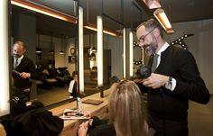 #BÓjaume, peinando a una clienta. #Bopeluqueria #bospots #hair #hairstyle #peinados #moda #tendencias #peluqeria #Barcelona #event