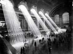 Photography of the Grand Central Terminal 100 Year Anniversary - New York City Berenice Abbott, Alfred Stieglitz, Man Ray, Eugene Atget, Most Famous Photographers, New York Pictures, Central Station, Online Gallery, Change The World
