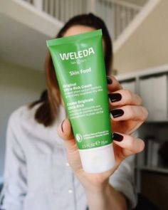 How To Use Weleda Skin Food Moisturizer Weleda Skin Food, Lemon Cake Mixes, Dry Face, Dry Lips, Kris Jenner, Avocado Oil, Body Butter, Creme, The Balm