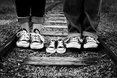 I got to do the photos for a friend's pregnancy announcement! #thedarkroomphotographydfw #daniellelawsonphotography #couples #baby #pregnant #wereexpecting #converse