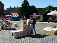 TARG WĘGLOWY 2013 / temporal public space installation / OSB cubics give possibility of playing and building some bigger forms / fot. D. Werner