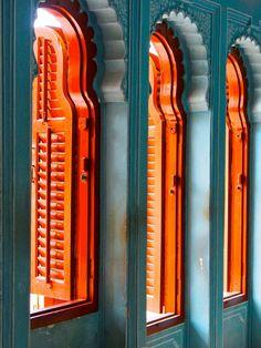 Tangerine Orange Shutters -Rustic Shutters - Unusual shape shutters in a vibrant… Orange Walls, Orange And Turquoise, Orange Style, Teal Coral, Aqua Color, Blue Walls, Blue Green, Orange Aesthetic, Nature Aesthetic
