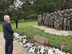 Velvyslanec King se dnes zúčastnil pietního aktu k 78. výročí vyhlazení obce Lidice.  Today, we commemorate the tragic fate of Lidice and its residents killed by the Nazis in revenge. But we shall also be optimistic and look forward, like those who build new Lidice as a symbolic victory of freedom and humanity. Never again!