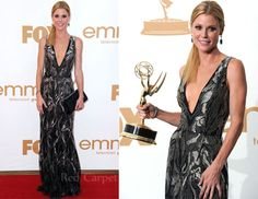 Julie Bowen In Oscar de la Renta – 2011 Emmy Awards