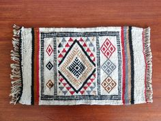 Vintage wall folk / boho chic small tapestry por lestrictmaximum