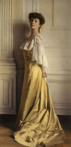 Hand-tinted photograph of Alice Roosevelt, taken 1903.