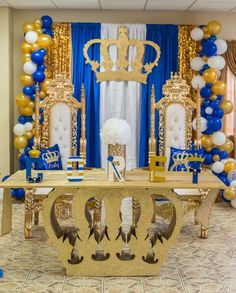 Baby Shower Themes For Boys Prince Crowns Party Ideas Id Royalty Baby Shower Theme, Boy Baby Shower Themes, Baby Shower Gender Reveal, Baby Boy Shower, Baby Shower Decorations, Balloon Decorations, Prince Birthday Party, Prince Party, Baby Boy Birthday
