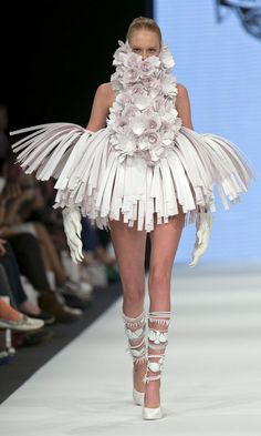 Bea Szenfeld's latest fashion collection for Spring/Summer 2014 entitled Haute Papier