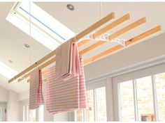 Hoist your drying clothes or pots and pans out of the way with ease.