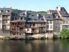 Espalion - Aveyron dept. - Midi-Pyrénées région, France         ...icietlanature.blogspot.com