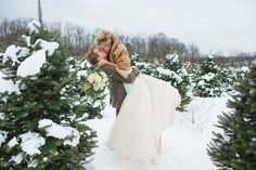 We love the combination of the rustic outdoors with high fashion glam in this wedding!