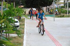 Não pode faltar uma voltinha de bicicleta na praça - Praça Bicentenário