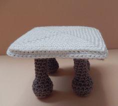 Miniami house patterns | Ami loves Gurumi.  FREE PDF 1/15.