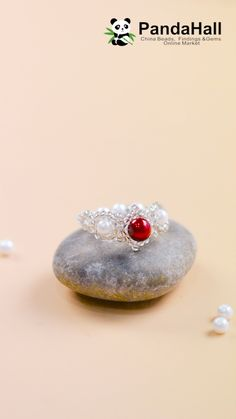 PandaHall video: Elegant ring with pearl beads Handmade Wire Jewelry, Diy Crafts Jewelry, Wire Wrapped Jewelry, Diy Beaded Rings, Beaded Bracelets, Beaded Jewelry Patterns, Bead Jewellery, Ring Video, Pearl Ring