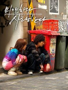 """I'm Sorry, I Love You / 미안하다, 사랑한다 (2004) K-drama: """"Sorry, I Love You"""" is a story about Cha Mu-hyeok, who faces death everyday with two bullets stuck in the head, and Song Eun-chae, whose chance encounter with him develops into an extreme love affair... http://www.hancinema.net/korean_movie_Sorry_v__I_Love_You.php"""