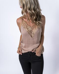 The boho tank tops at emmer & oat make it simple to create an easy, cute outfit each day. Collect our women's casual tank tops & enjoy same-day shipping! Red Lace Crop Top, Black Crop Top Tank, Lace Crop Tops, Cropped Tank Top, Tank Top Outfits, Cute Outfits, Mode Chic, Ladies Dress Design, Ideias Fashion