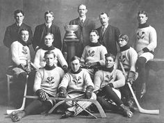 The Wikipedia article of the day for December 2019 is Kenora Thistles . The Kenora Thistles were an ice hockey team founded in 1894 in Kenora, On… Stars Hockey, Ice Hockey Teams, History Of Hockey, Hockey Sweater, Bay Sports, Canada Hockey, Hockey Hall Of Fame, Hockey Pictures, Stanley Cup Champions