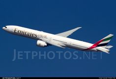 Photo of A6-ENG Boeing 777-31HER by Martin Tietz