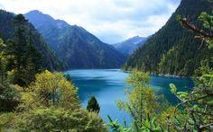 Download wallpapers mountain lake, mountain landscape, forest, mountains, China, Jiuzhaigou National Park