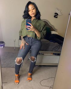 2020 Outstanding Fall Outfits for Black Ladies Chill Outfits, Club Outfits, Trendy Outfits, Fashion Outfits, Fashion Tips, Fashion Skirts, 2000s Fashion, Dope Outfits, Jean Outfits