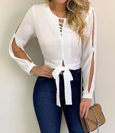 Blouse designs - The awesome fashion jeans Blouse Styles, Blouse Designs, Basic Outfits, Casual Outfits, Mode Jeans, Mode Chic, Jeans Style, Casual Looks, Spring Outfits