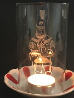 sächsisches Glas , Teil 2 – Landglas.de , Glasgravur und mehr Glass Material, Geometric Designs, Crests, Embellishments