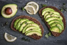 Avocado Nutrition and Benefits: 13 Reasons It's so Much More than Guacamole (Plus 10 Recipes! How To Store Avocado, Avocado Recipes, Healthy Recipes, Healthy Fats, Healthy Eating, Eating Clean, Keeping Healthy, Healthy Chef, Menopause Diet