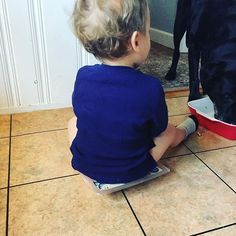 One eats leftovers while one sings sitting on the chicken chicken chicken while sitting diaper-bum on the chicken Im trying to prep for dinner. . . . . . . . #mom#mama #momlife#fitmom#postpartumfitness #toddler#toddlermom#breastfeeding #breastfeedingmom#nursingmom #healthcoach#iin#nutritionschool #iinhealthcoach#holisticnutrition #integrativenutrition#healthcoaching #nourishment#eatarainbow#paleo #eatclean#cleaneating#healthy #healthyeating#healthyfood