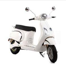 Het gevoel van een ritje door Milaan, maar dan gewoon in eigen land. De emco Novantic Land, Electric Scooter, Scooters, Motorcycle, Retro, Vehicles, Motor Scooters, Motorcycles, Car
