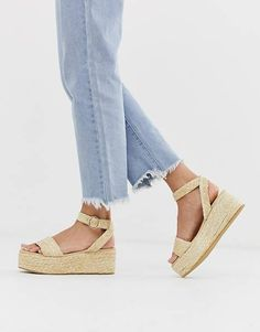 Buy Pimkie woven straw flatform sandals in natural at ASOS. With free delivery and return options (Ts&Cs apply), online shopping has never been so easy. Get the latest trends with ASOS now. Skechers, Fashion Online, Fashion Show, Latest Trends, Flip Flops, Espadrilles, Kicks, Asos, Sandals