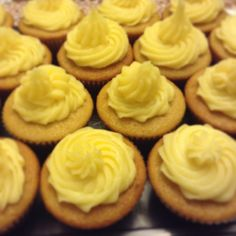 De vainilla con frosting de crema pastelera instantánea fleishman