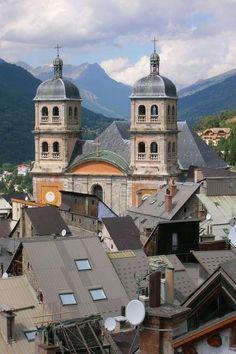 Briancon sous prefecture des hautes alpes guide du tourisme des hautes alpes paca
