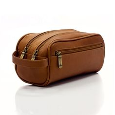 Muiska Tomas - Classic Leather Travel Kit, an essential must have and a great gift for the frequent traveler! Mens Travel Bag, Travel Purse, Travel Bags, Best Purses, Travel Toiletries, Wash Bags, Leather Pouch, Classic Leather, Toiletry Bag