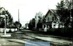 Oppland fylke Østre-Toten kommune LILLO, LENA med bil A 3350 ved butikk Utg J.H.Küenholdt, stemplet 1942