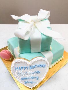 ティファニーボックスケーキ Cake, Desserts, Wedding, Food, Tailgate Desserts, Valentines Day Weddings, Deserts, Kuchen, Essen