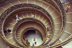 rome-musee-vatican-escalier-les-escapades