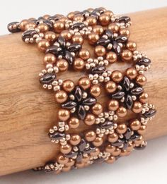 Beading Tutorial for Square Deal Bracelet by njdesigns1 on Etsy