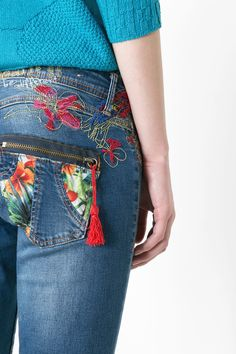 Detalle bolsillo jeans