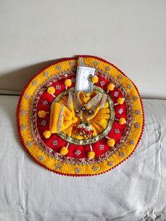 Jai Shree Krishna, Krishna Radha, Radha Kishan, Laddu Gopal Dresses, Bal Gopal, Ladoo Gopal, Diy Tutu, Krishna Images, Hare