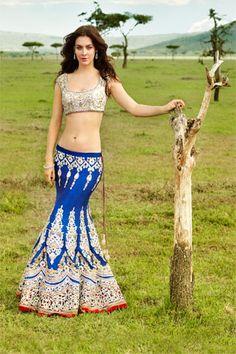 www.amouraffairs.in Indian Bride Lehenga gold border zari zardozi Ghagra Choli. I love these. Such beautiful detailing.
