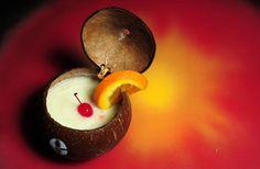 ¡Hace calor! Quiero una piña colada de Coladas, en Isla Verde! Conoce más: http://www.sal.pr/islaverdecriolla/coladas.html