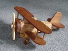 Handmade wooden plane - Woodworking ideas - Craft ideas to sell Wooden Airplane, Airplane Toys, Wood Toys Plans, Wood Plans, Handmade Wooden Toys, Wooden Crafts, Wood Projects, Woodworking Projects, Woodworking Plans
