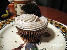 Oreo Cupcakes with Oreo Cream Cheese Frosting
