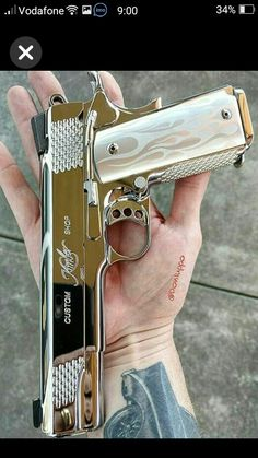 RAE Magazine Speedloaders will save you! Revolver, 1911 Pistol, Colt 1911, Weapons Guns, Guns And Ammo, Armas Ninja, Custom Guns, Fantasy Weapons, Cool Guns