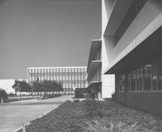Fine Arts building, designed by Richard Neutra, at San Fernando Valley State College (now CSUN), August 1962. It was completed in March 1960. It was damaged in the 1994 earthquake and subsequently demolished. CSUN University Archives.