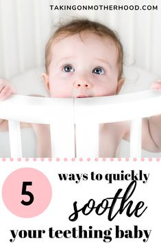 Quickly soothe your teething baby with these 5 tricks! Quickly soothe your teething baby with these Baby Teething Symptoms, Baby Teething Remedies, Teething Babies, Soothing Baby, Breastfeeding And Pumping, Diaper Rash, Baby Grows, Baby Month By Month, Toddler Toys